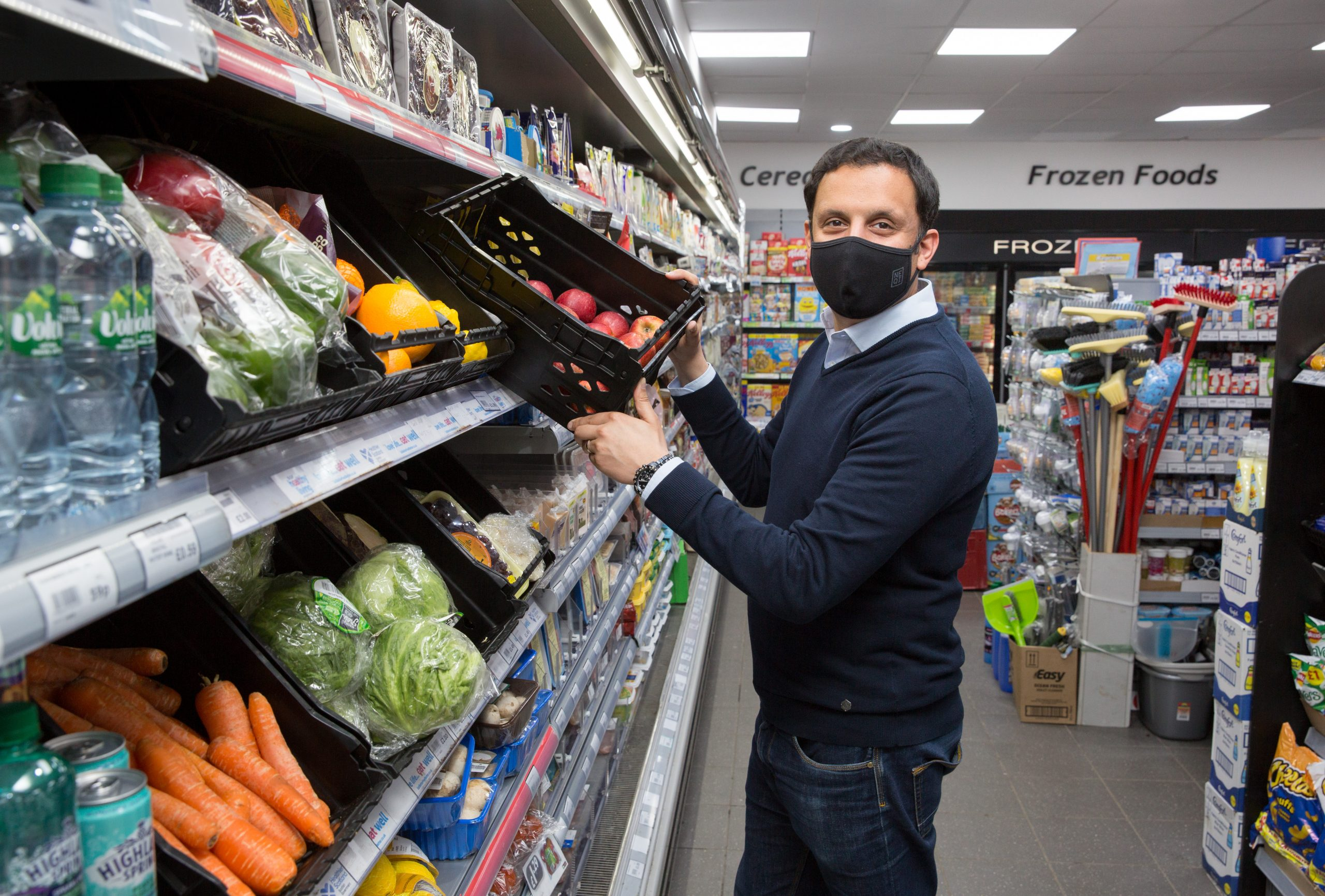 Scots politicians: independent retailers need action to protect from crime